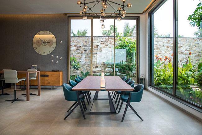 Một căn phòng ăn có thiết kế đẹp mắt cũng là một trong những lý do khiến nhiều yêu thích khoảng thời gian dùng bữa bên cạnh gia đình.