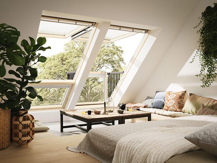 Sở hữu cửa sổ là bước đầu trong việc thiết kế gác mái đầy đủ chức năng và thoải mái