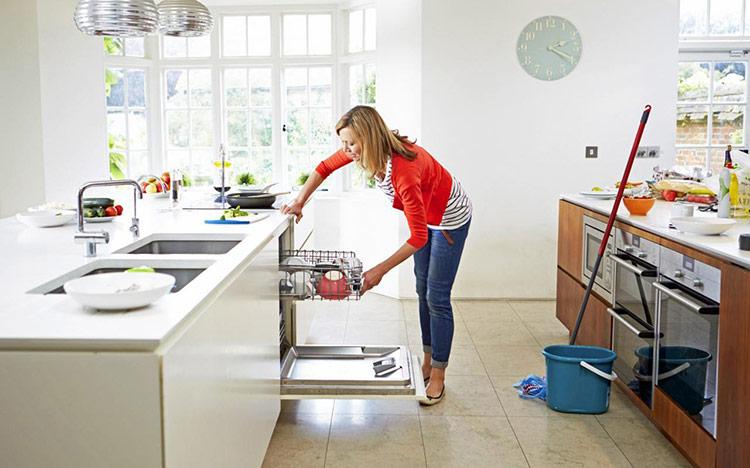 Dọn dẹp những đồ thừa trong nhà bếp