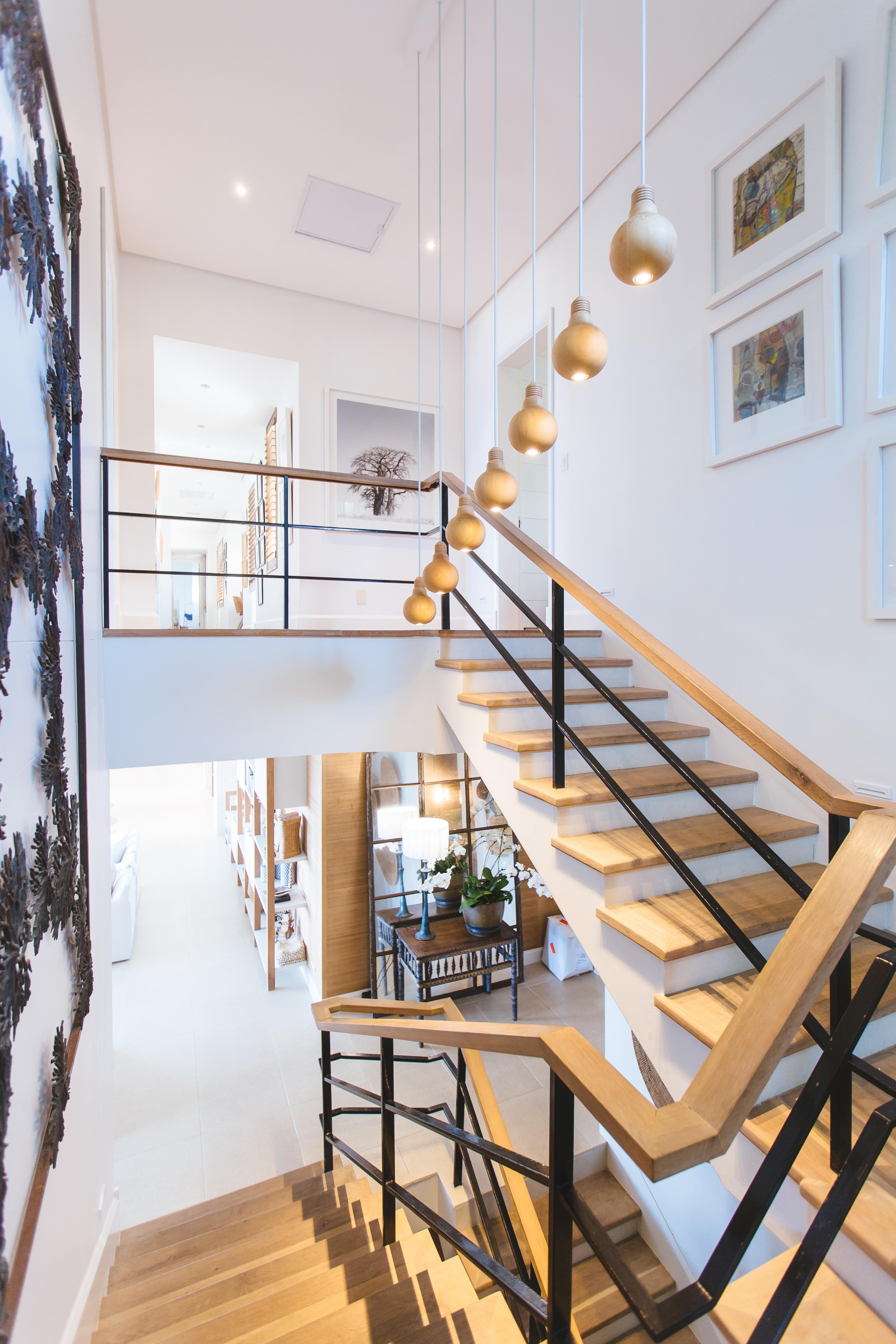 cầu thang là một nơi lý tưởng khi sử dụng giấy dán tường