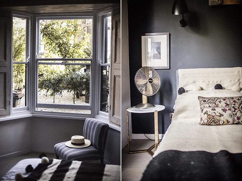 Một chiếc ghế kê ngay bên khung cửa sổ rộng tạo nét mơ màng lãng mạn.