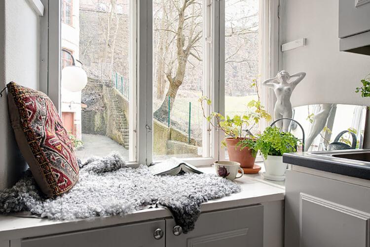 Làm sao để thiết kế nội thất phòng bếp sinh động mà không lộn xộn?