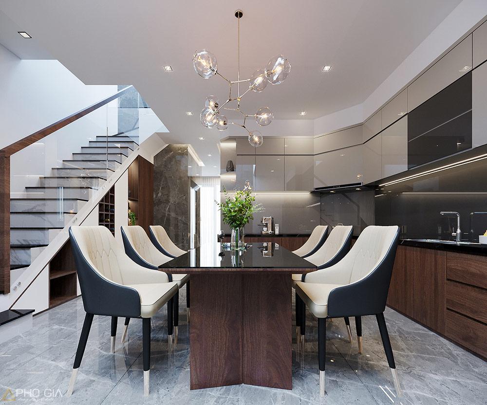 Tủ bếp được bố trí gọn gàng, hợp lý tạo sự thuận tiện trong sinh hoạt