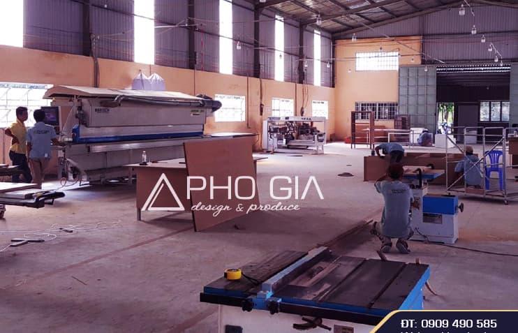 Xưởng sản xuất hiện đại đáp ứng đến cả những công trình nội thất phức tạp của Phố Gia.