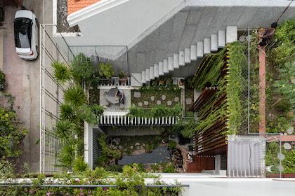 Roof Gardens Villa Nha Trang - biệt thự phố thơ mộng với 3 mảng vườn từ thấp đến cao
